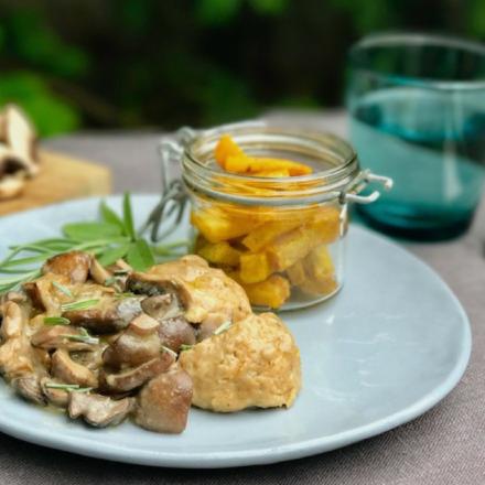 Pimp my meal: Pilzragout mit Knödeln und Gemüse-Pommes.