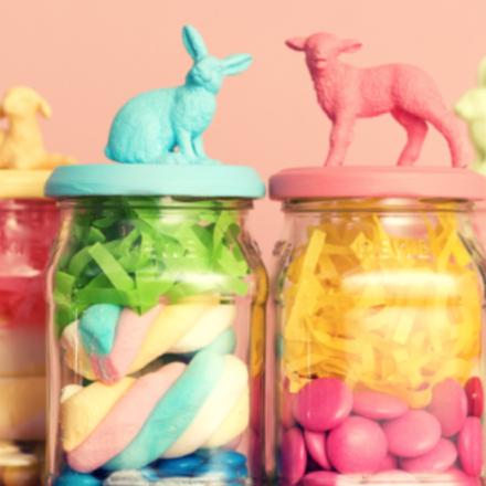 DIY: Das könnt ihr zu Ostern mit unseren leeren Gläsern machen!